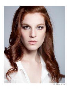 Julia, Makeup Artist