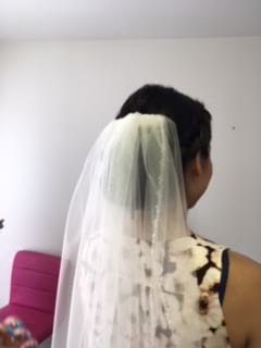 bridal hair and veil