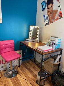 Makeup application area